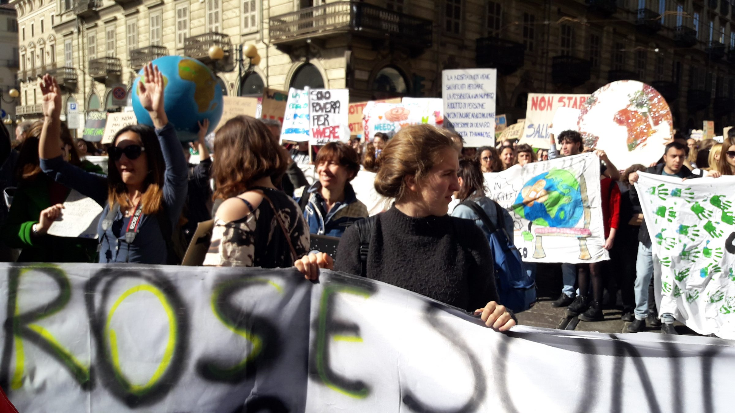 We took part to FridayForFuture in Turin